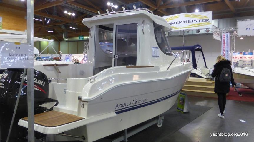 Die Aquila 5.8 Coaster von Müritz-Yacht