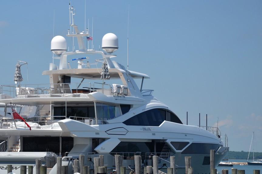 """Ebenfalls gesehen in Sag Harbour: Die 2015 ausgelieferte Benetti-Yacht """"Drew"""""""